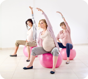 Exercise-for-pregnant-women-on-balls.jpg